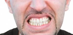 bruxismo dientes torcidos enfermedad